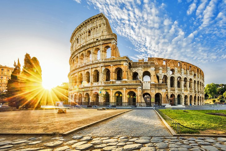 europe-top-attractions-colosseum-rome