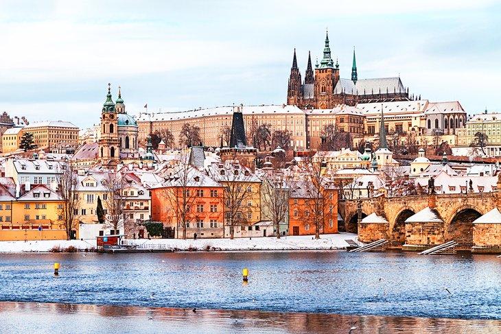 europe-top-attractions-prague-castle-czech-republic